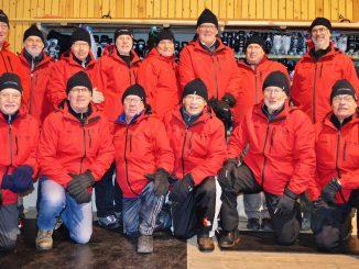 En bild på Knytgubbarna med nya jackor